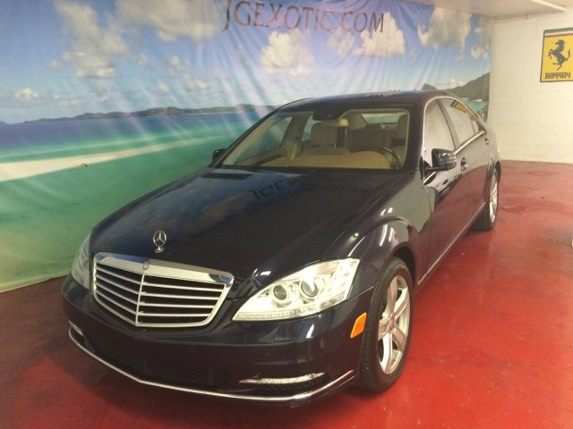 2010 MERCEDES-BENZ S-CLASS S550 4DR SEDAN dark blue 2010 ceo  s-550 super clean one owner mint con