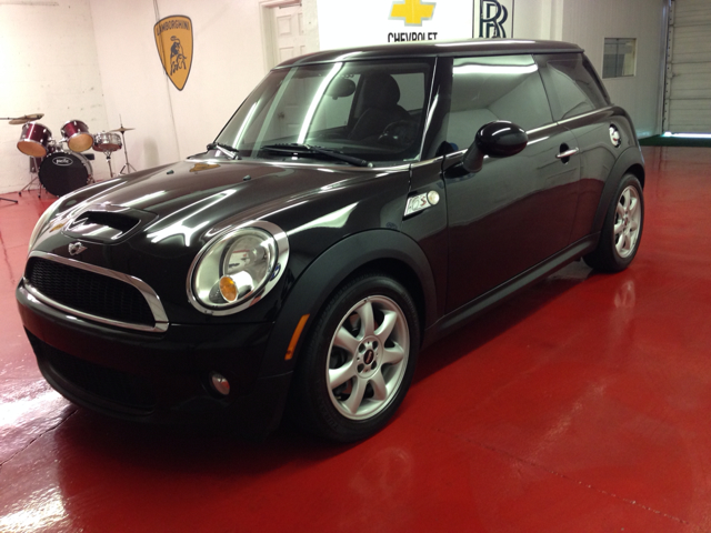 2009 MINI COOPER S black 1500 down you drive home approved no matter what your credit history