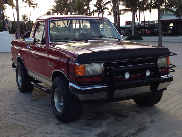 1990 FORD BRONCO red 4500 cash today only selling a 1990 ford bronco drive a legend this br