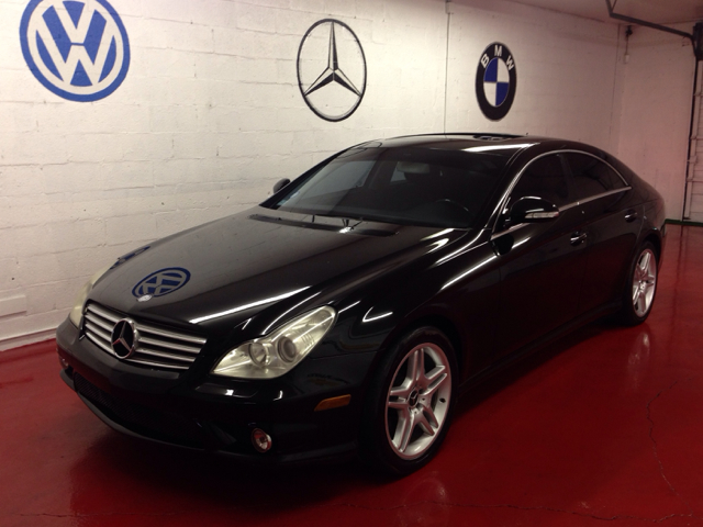 2006 MERCEDES-BENZ CLS-CLASS CLS500 4-DOOR COUPE black 3000 down you drive this home no matter w