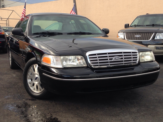 2004 FORD CROWN VICTORIA LX SPORT unspecified selling a 2004 ford crown victoria lx sport black