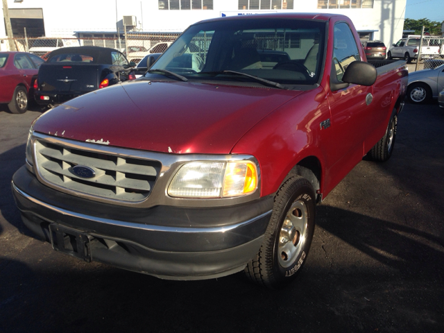 2001 FORD F-150 XL LONG BED 2WD red 173258 miles VIN 1FTZF17261NB96484