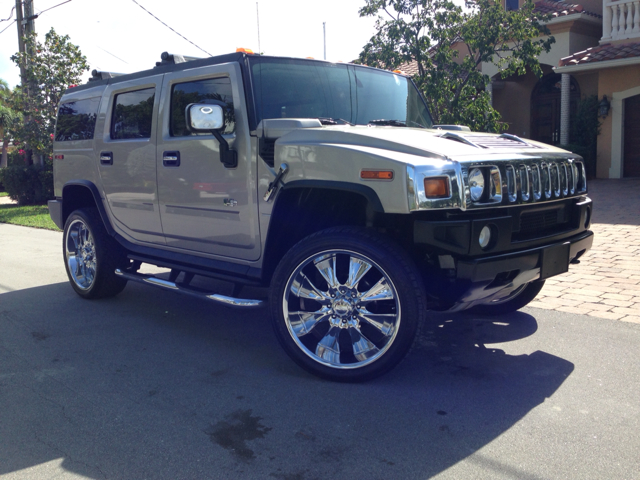 2005 HUMMER H2 SUV gray selling a 2005 hummer h2 super clean all extras tvs on head rest 3