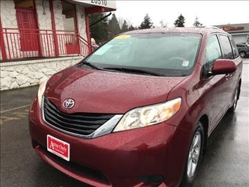 2011 Toyota Sienna for sale in Lynnwood, WA