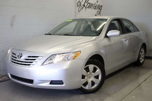 2009 TOYOTA CAMRY SE 4DR SEDAN 5A silver great on gas must see   3 month 4000 mile limited po