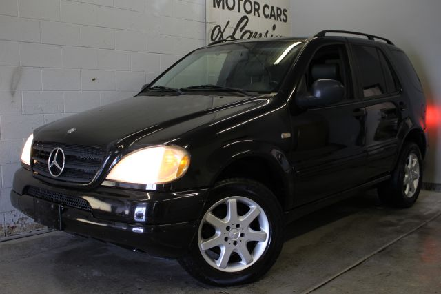 1999 MERCEDES-BENZ M-CLASS ML430 AWD 4DR SUV black leather loaded runs great wont last long ca