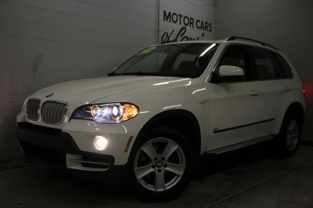 2008 BMW X5 48I AWD SUV white like new inside and out wow must see immaculate white with tan i