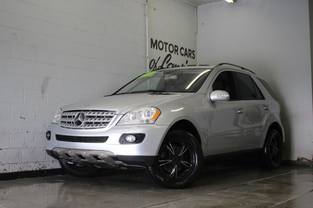 2006 MERCEDES-BENZ M-CLASS ML500 AWD 4MATIC 4DR SUV silver fully loaded runs and looks  abs - 4-w