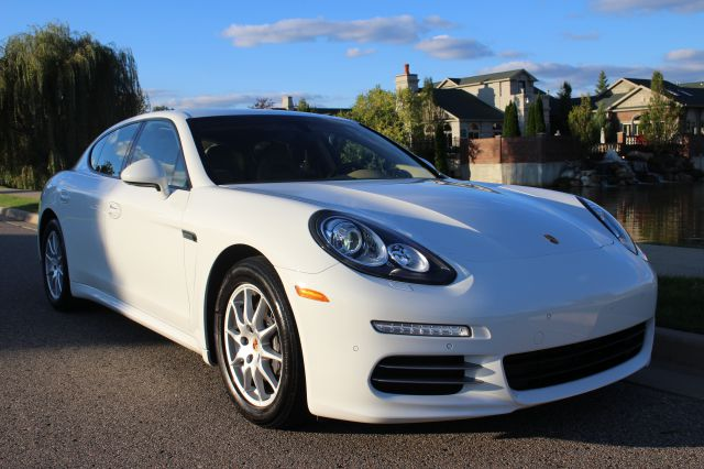2014 PORSCHE PANAMERA 4 AWD 4DR SEDAN white like new inside and out more pictures are available