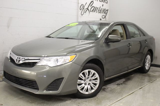 2012 TOYOTA CAMRY LE 4DR SEDAN green like new inside and out must see all customers are welcome