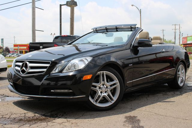2012 MERCEDES-BENZ E-CLASS E350 2DR CONVERTIBLE black like new inside and out must see extra cle