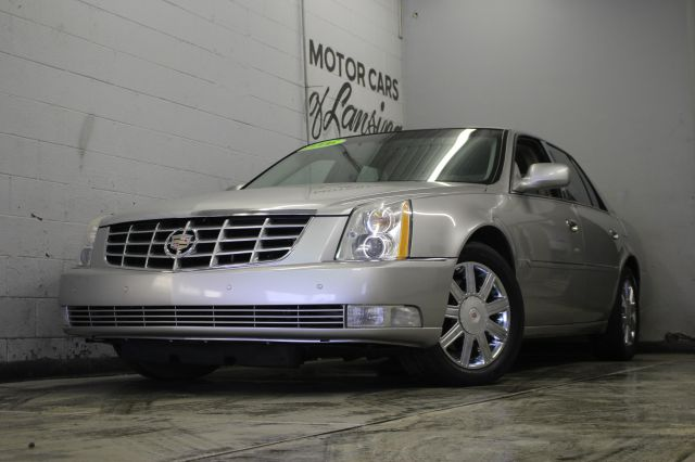 2006 CADILLAC DTS LUXURY II 4DR SEDAN silver everyone is approved