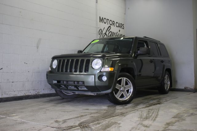 2007 JEEP PATRIOT SPORT 4WD 4DR SUV green leather loadedgood miles  4wd type - full time abs -
