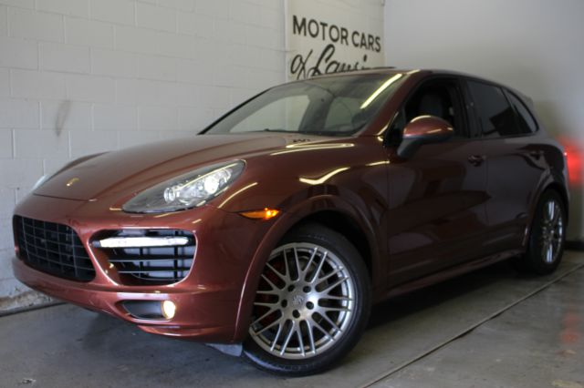 2013 PORSCHE CAYENNE GTS AWD 4DR SUV maghan call mike directly at 888-239-9980 gts package