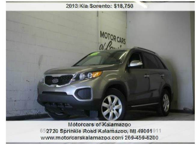 2013 KIA SORENTO LX 4DR SUV V6 brown call or e-mail for a free carfax like new inside and out