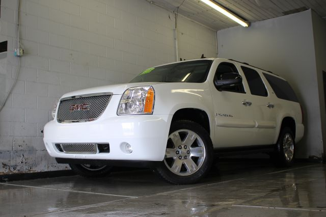 2008 GMC YUKON XL SLT 1500 4X4 4DR SUV W 4SA white 2-stage unlocking - remote 4wd type - part t