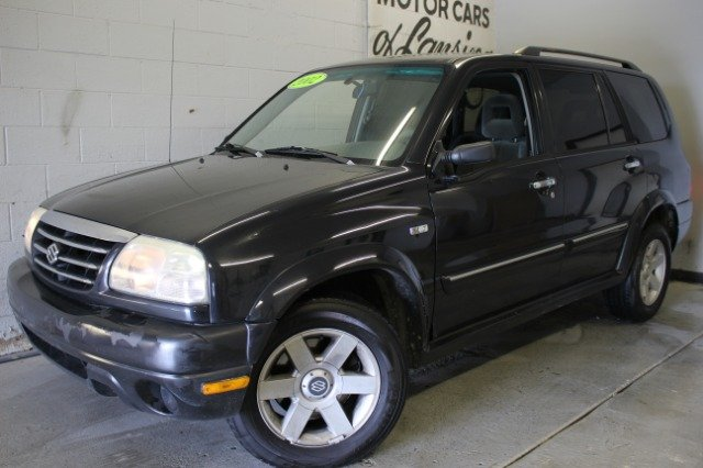 2002 SUZUKI XL7 PLUS 4WD 4DR SUV black 4x4 great for the winter ahead runs and drives great