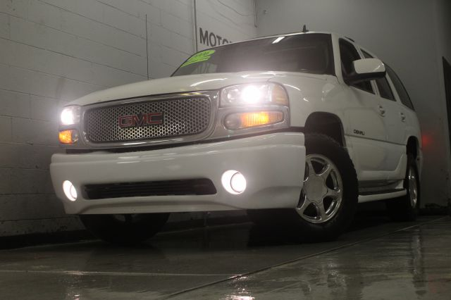 2006 GMC YUKON DENALI AWD 4DR SUV white leather loaded 3rd row seating navigation abs - 4-wheel a