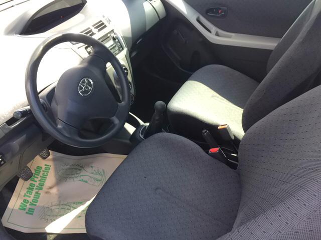 2010 Toyota Yaris 2dr Hatchback 5M - Daytona Beach FL