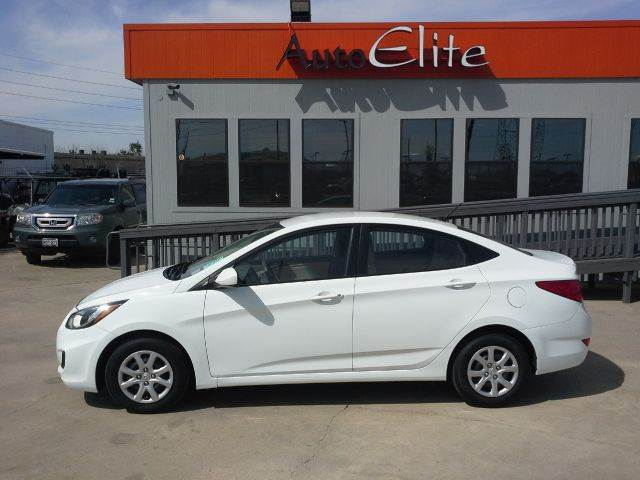 2013 HYUNDAI ACCENT GLS 4-DOOR tan i-pod connectivity  power windows power door locks great fue