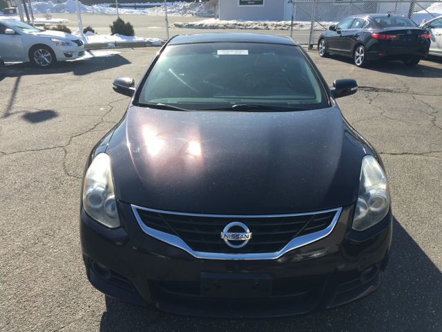 2010 Nissan Altima 2.5 S 2dr Coupe CVT - Indian Orchard MA