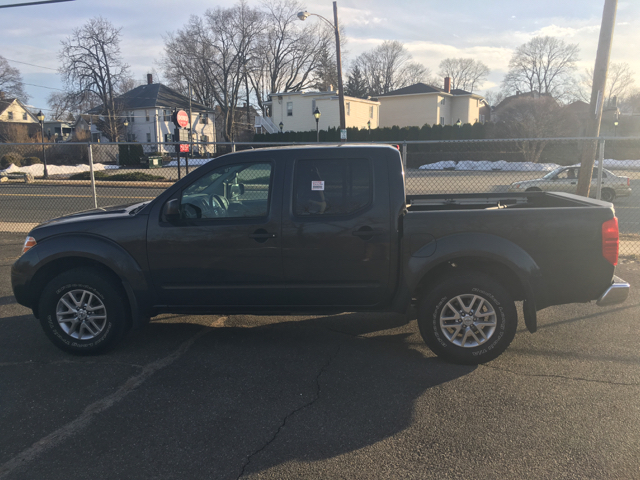 2014 Nissan Frontier SV 4x4 4dr Crew Cab 5 ft. SB Pickup 5A - Indian Orchard MA