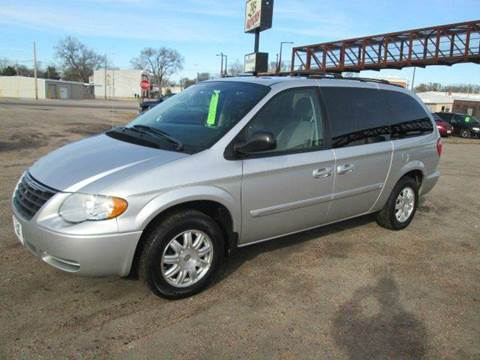 2006 Chrysler Town and Country for sale in Wood River, NE