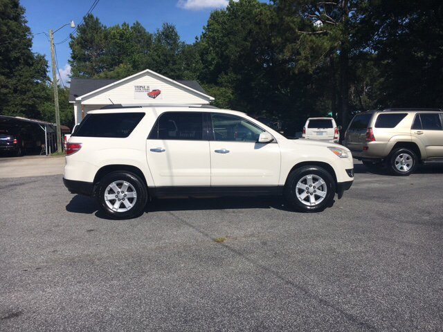 2010 Saturn Outlook XE 4dr SUV - Farmville NC