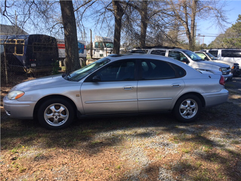 2004 Ford Taurus for sale in Farmville, NC