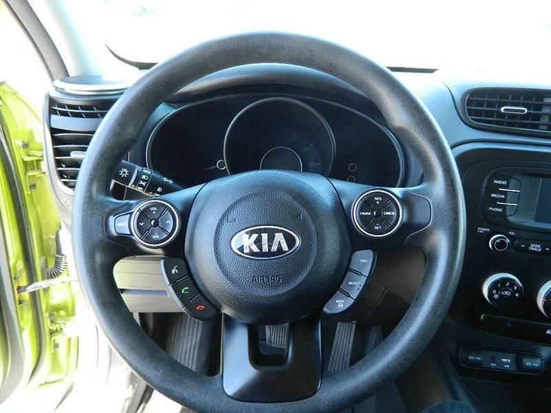 2016 Kia Soul + 4dr Wagon - Overton NV