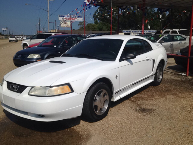 2000 FORD MUSTANG BASE 2DR STD COUPE white cassette center console exterior entry lights exteri