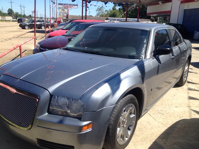 2006 CHRYSLER 300 BASE 4DR SEDAN silver antenna type anti-theft system - engine immobilizer carg