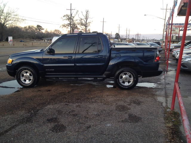 2002 FORD EXPLORER SPORT TRAC 2WD CHOICE blue we are located at 1402 florida blvd denham springs