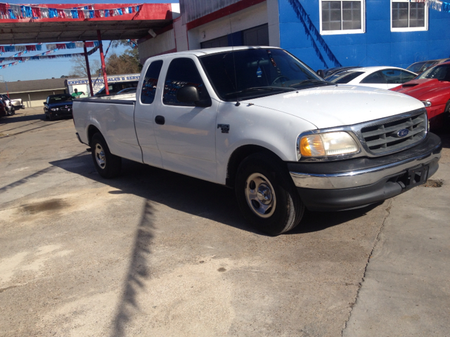 2001 FORD F-150 XL SUPERCAB LONG BED 2WD white we are located at 1402 florida blvd denham springs