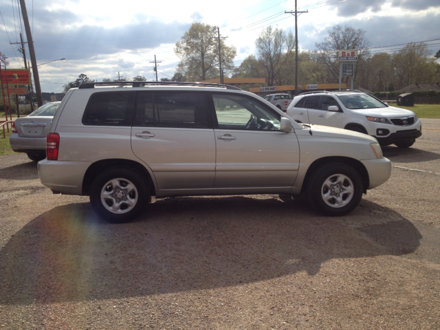 2003 TOYOTA HIGHLANDER V6 2WD silver we are located at 1402 florida blvd denham springs la 70726