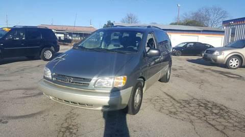 2000 Toyota Sienna for sale in Gainesville, GA