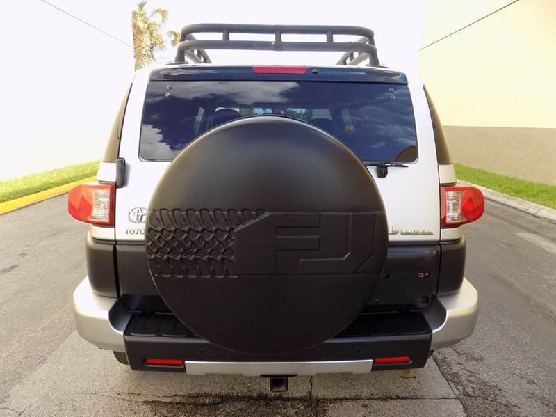 2007 Toyota FJ Cruiser Base 4dr SUV 4WD (4L V6 5A) - Hollywood FL