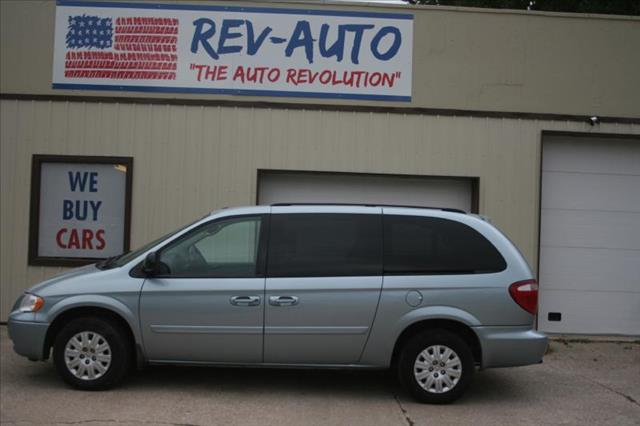 2006 Chrysler Town and Country for sale in Clarion IA