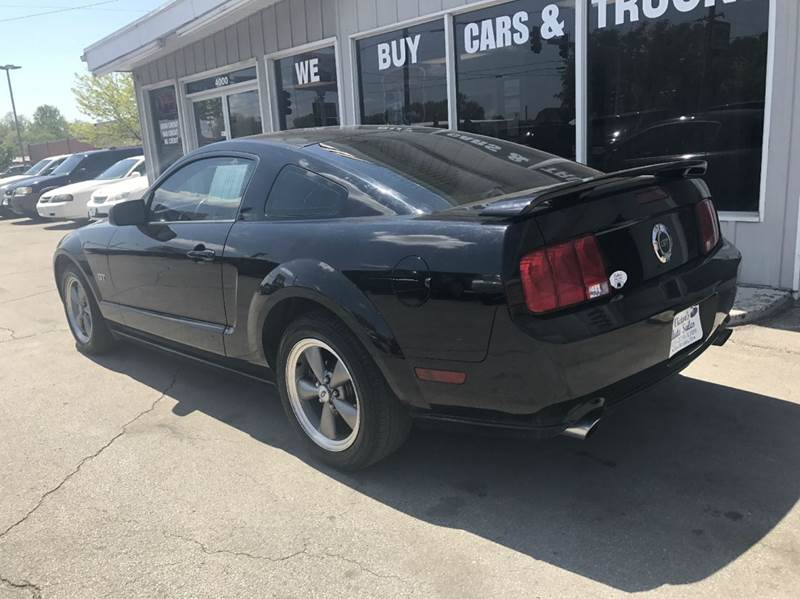 2006 Ford Mustang GT Premium 2dr Coupe - Des Moines IA
