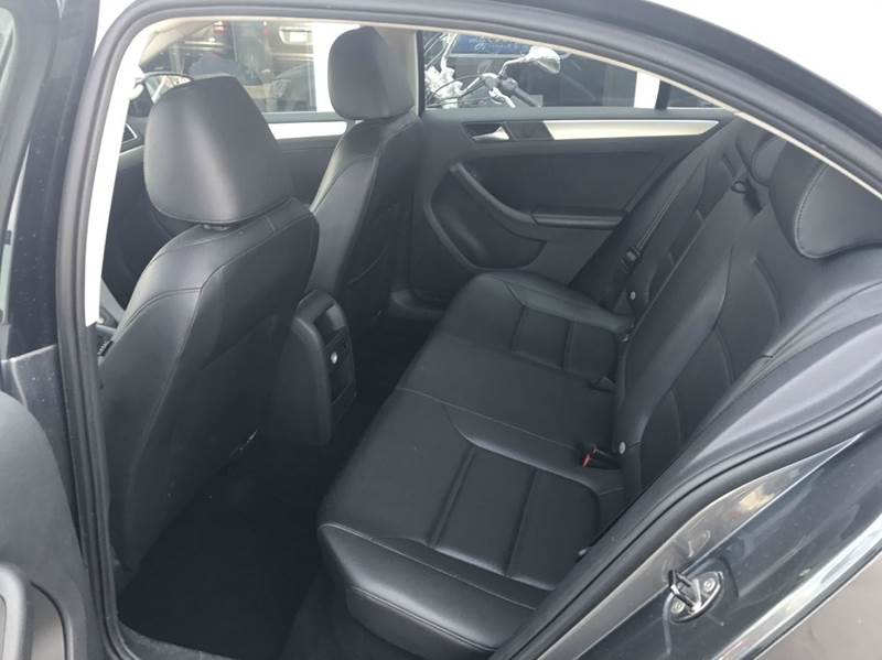 2013 Volkswagen Jetta SE PZEV 4dr Sedan 6A w/Convenience - Des Moines IA