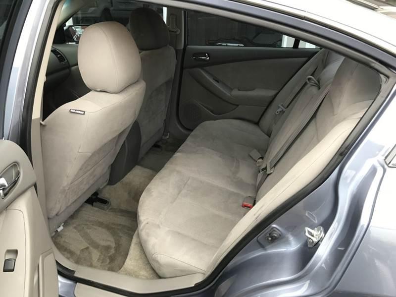 2012 Nissan Altima 2.5 S 4dr Sedan - Des Moines IA