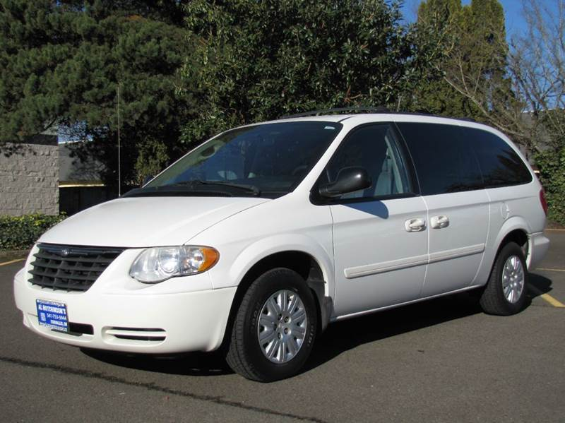 2005 chrysler town and country lx 4dr extended mini van in corvallis or al hutchinson auto center. Black Bedroom Furniture Sets. Home Design Ideas