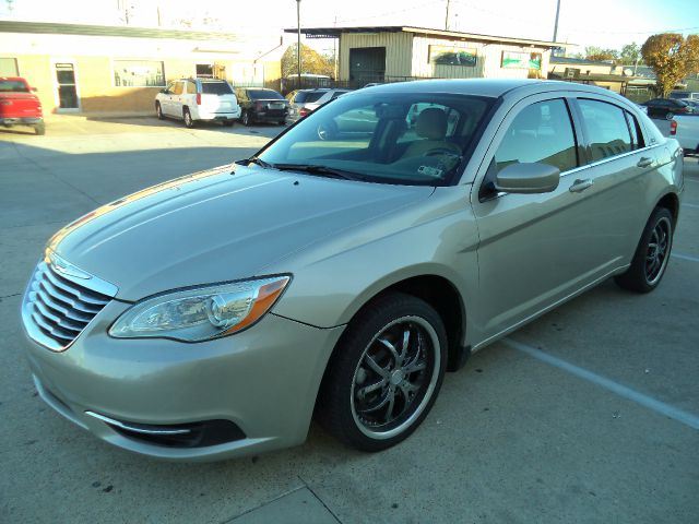 2013 Chrysler 200 for sale in Garland TX