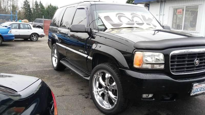 2000 Cadillac Escalade 4dr 4WD SUV - Lakewood WA