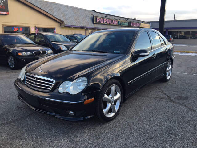 2005 mercedes benz c class c230 kompressor 4dr sedan in indianapolis in premium auto finance. Black Bedroom Furniture Sets. Home Design Ideas