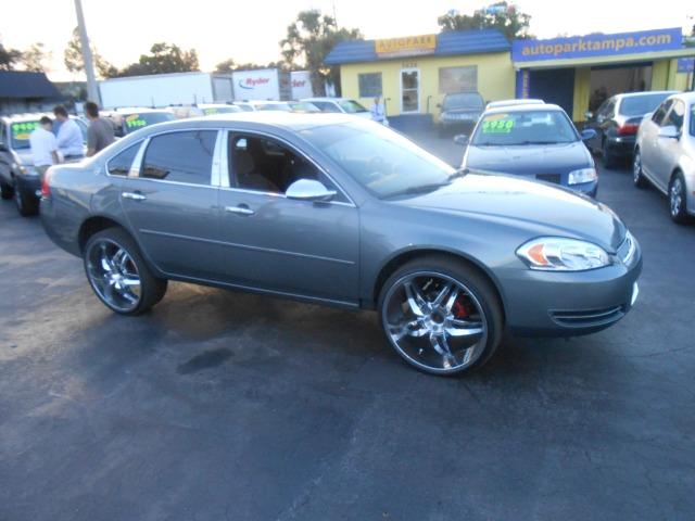 2013 chevy impala on 22 inch rims pictures to pin on. Black Bedroom Furniture Sets. Home Design Ideas