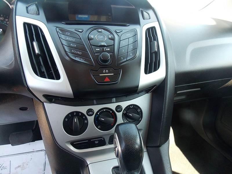 2012 Ford Focus SE 4dr Hatchback - Otsego MI