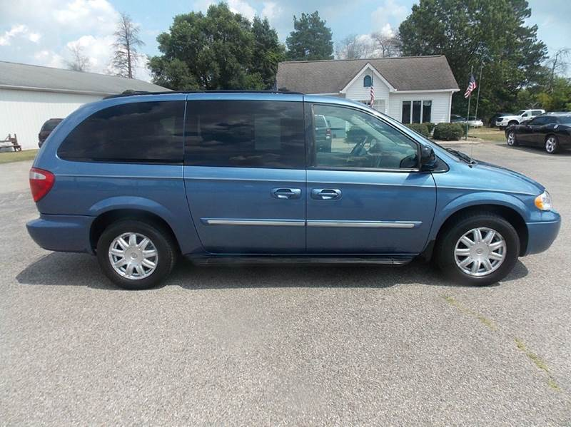 2007 Chrysler Town and Country Touring 4dr Extended Mini-Van - Otsego MI