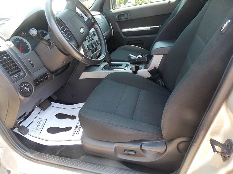 2010 Ford Escape AWD XLT 4dr SUV - Otsego MI