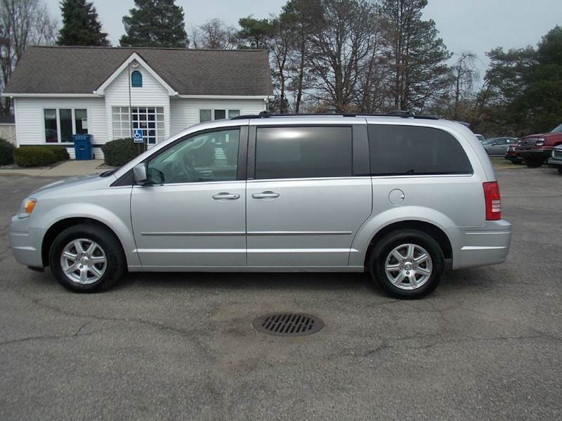 2009 chrysler town and country touring mini van 4dr in otsego mi coop 39 s affordable autos llc. Black Bedroom Furniture Sets. Home Design Ideas